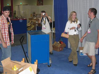 http://www.newgrounds.com/imgs/lit/comiccon2005_show_22.jpg